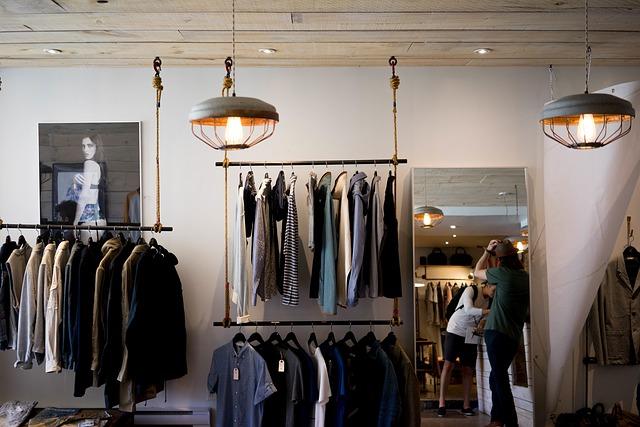 nevšední obchod s oblečením