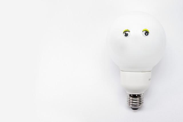 LED žárovka E27